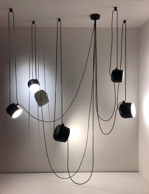 FLOS AIM by Ronan & Erwan Bouroullec、AIMの多灯吊り展開