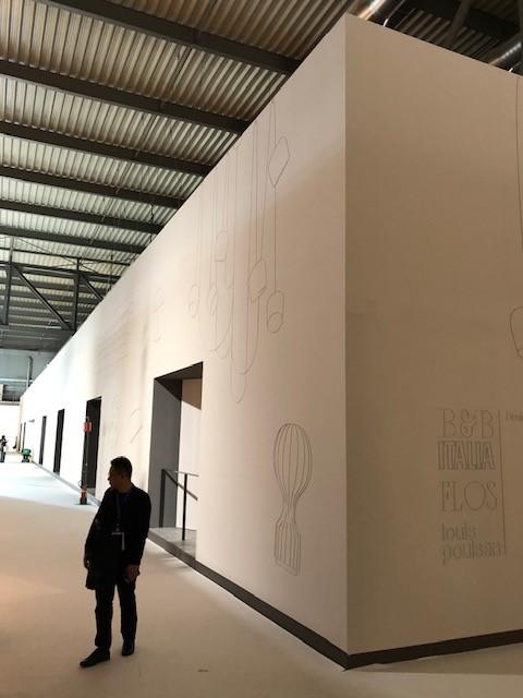 ミラノサローネ2019、S.PROJECT、圧巻のブース展示、あまりの巨大さに端が霞んで見えます