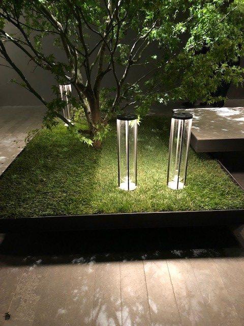 FIERA会場、FLOSの新作、IN VITRO、デザイナーはPhilippe Starck、これもOUTDOOR照明です