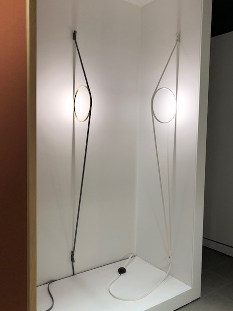 FLOS WIRERING by Forma Fantasma、これまでの照明とは異なる独創的なデザイン