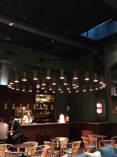 スペインのバルセロナとバレンシアでよく見かけた照明、Santa&ColeのCirio