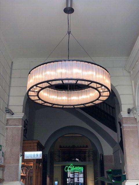 スペインのバルセロナとバレンシアでよく見かけた照明、Santa&ColeのEstadio
