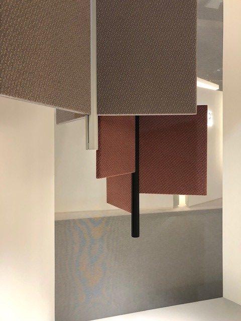 イタリアの大手照明ブランドLUCEPLANの展示ブース、新作Trypta