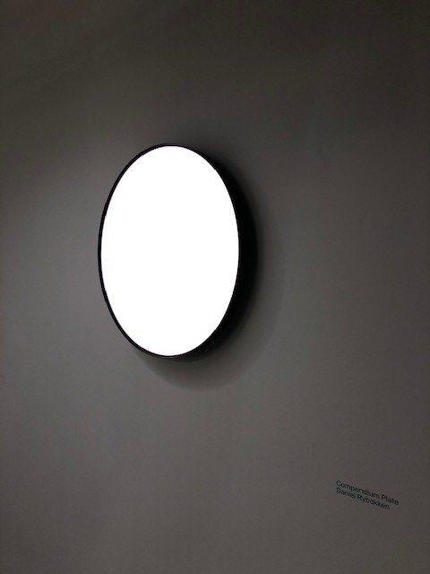イタリアの大手照明ブランドLUCEPLANの展示ブース、新作Compendium Plate