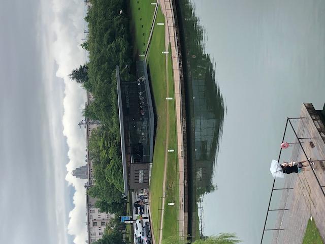 富岩運河環水公園、スターバックス富山灌水公園店