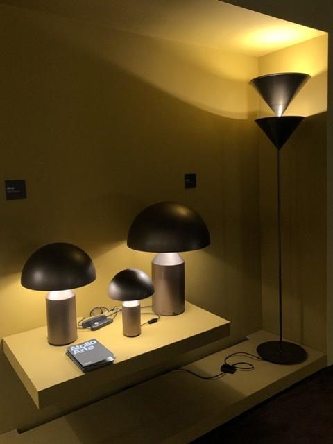 OLUCE ATOLLO by Vico Magistretti、昨年のミラノサローネで発表された新色です