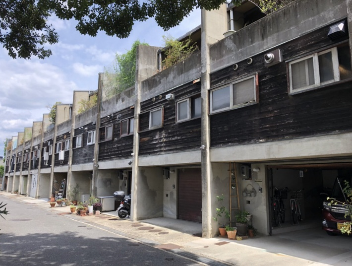 ドムス香里、石井修設計監修の集合住宅、大阪寝屋川市