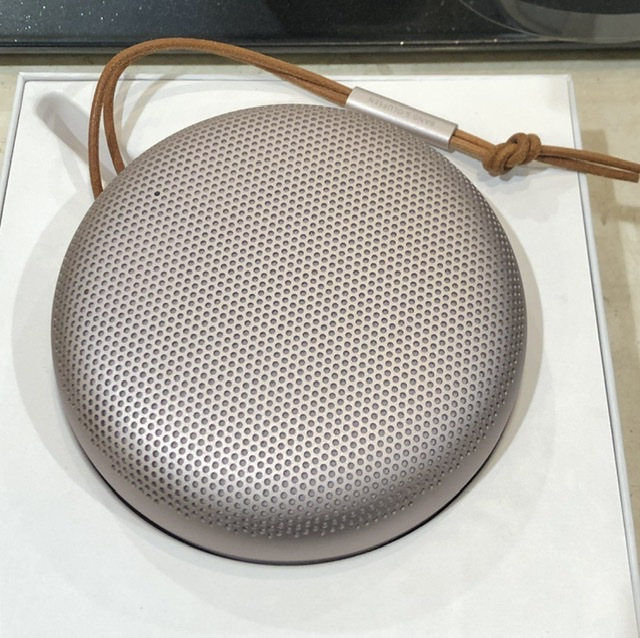 BANG&OLUFSEN Beosound A1 2nd Gen Pink Cecilie_Manz Denmark Danish_Design Bluetooth IP67 wireless_speaker portable